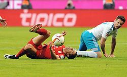 16.04.2016, Allianz Arena, Muenchen, GER, 1. FBL, FC Bayern Muenchen vs Schalke 04, 30. Runde, im Bild vl. Robert Lewandowski (FC Bayern Muenchen) und Sascha Riether ( FC Schalke 04 ) // during the German Bundesliga 30th round match between FC Bayern Munich and Schalke 04 at the Allianz Arena in Muenchen, Germany on 2016/04/16. EXPA Pictures © 2016, PhotoCredit: EXPA/ Eibner-Pressefoto/ Stuetzle<br /> <br /> *****ATTENTION - OUT of GER*****