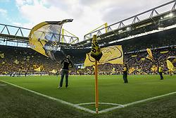 27.09.2015, Signal Iduna Park, Dortmund, GER, 1. FBL, Borussia Dortmund vs SV Darmstadt 98, 7. Runde, im Bild Fahnentraeger auf dem Rasen des Signal Iduna Parks // during the German Bundesliga 7th round match between Borussia Dortmund and SV Darmstadt 98 at the Signal Iduna Park in Dortmund, Germany on 2015/09/27. EXPA Pictures © 2015, PhotoCredit: EXPA/ Eibner-Pressefoto/ Schueler<br /> <br /> *****ATTENTION - OUT of GER*****
