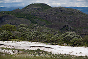 Diamantina_MG, Brasil...Montanha em Diamantina...A mountain in Diamantina...Foto: LEO DRUMOND / NITRO