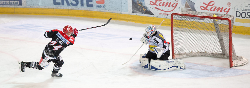 11.10.2015, Tiroler Wasserkraft Arena, Innsbruck, AUT, EBEL, HC TWK Innsbruck die Haie vs Dornbirner Eishockey Club, 10. Runde, im Bild Jeff Ulmer (HC TWK Innsbruck Die Haie), Florian Hardy (Dornbirner Eishockey Club) // during the Erste Bank Icehockey League 10th round match between HC TWK Innsbruck  die Haie and Dornbirner Eishockey Club at the Tiroler Wasserkraft Arena in Innsbruck, Austria on 2015/10/11, EXPA Pictures © 2015, PhotoCredit: EXPA/ Jakob Gruber