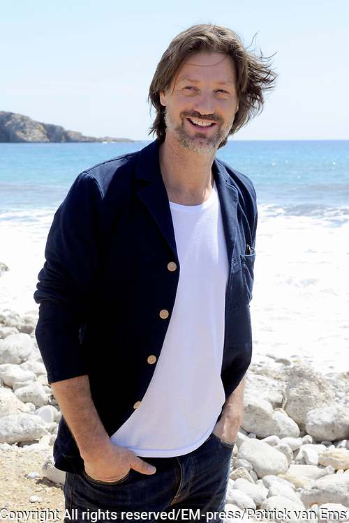 De castpresentatie van de nieuwe Nederlandse film Verliefd op Ibiza bij Beach Club Marlin, Ibiza.<br /> <br /> Op de foto:  Rick Engelkes