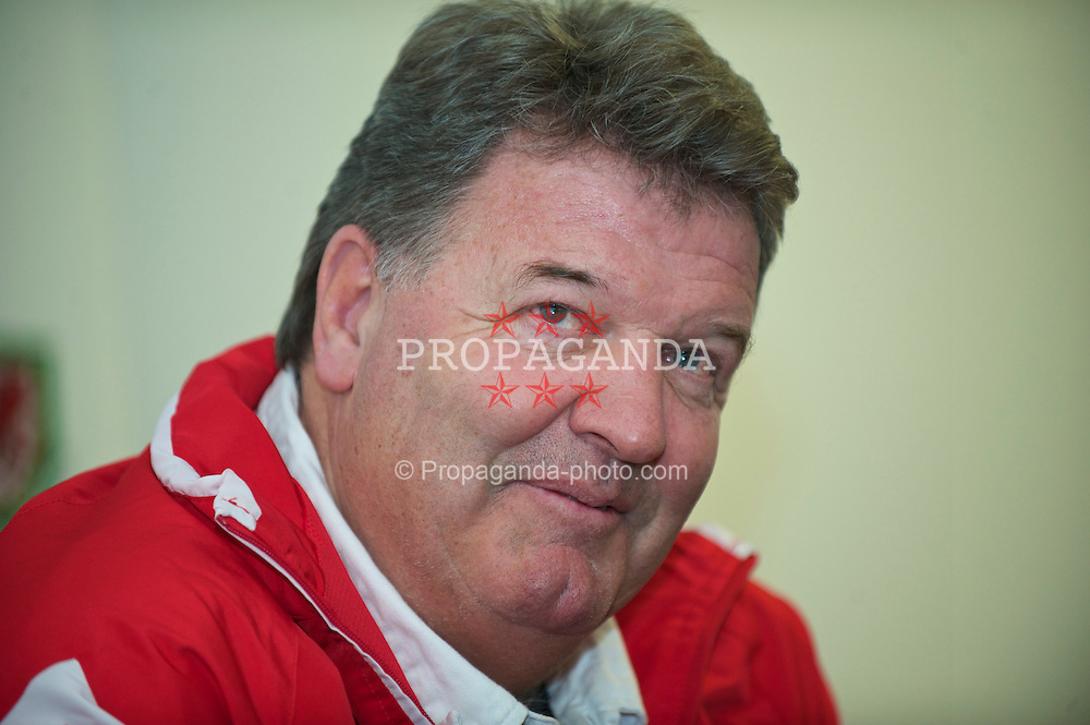 SWANSEA, WALES - Monday, March 1, 2010: Wales' manager John Toshack MBE during a press conference at the Liberty Stadium ahead of the international friendly match against Sweden. (Photo by David Rawcliffe/Propaganda)