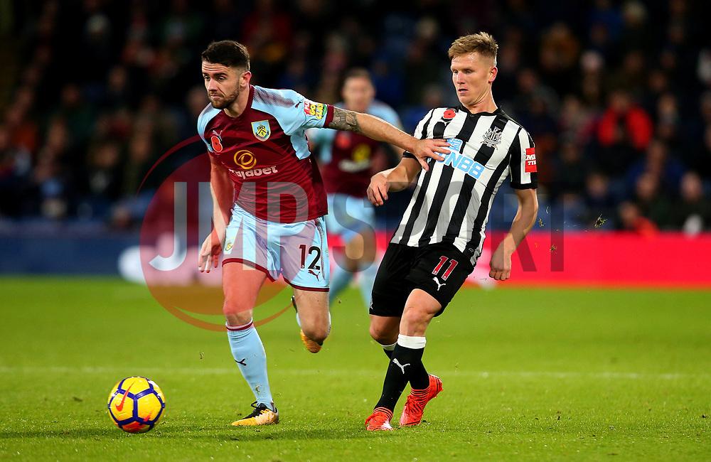 Matt Ritchie of Newcastle United takes on Robbie Brady of Burnley - Mandatory by-line: Robbie Stephenson/JMP - 30/10/2017 - FOOTBALL - Turf Moor - Burnley, England - Burnley v Newcastle United - Premier League