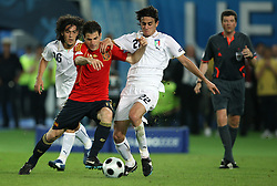 Cesc Fabregas of Spain (10) vs Alberto Aquilani of Italy (22) during the UEFA EURO 2008 Quarter-Final soccer match between Spain and Italy at Ernst-Happel Stadium, on June 22,2008, in Wien, Austria. Spain won after penalty shots 4:2. (Photo by Vid Ponikvar / Sportal Images)