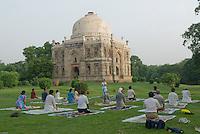 Lhodi gardens, New Delhi where lots of Delhiites come early morning to practice yoga and different sports. <br /> <br /> Les jardins de Lhodi ou les Delhiites vont tot le matin pour pratiquer le yoga et autres sports.
