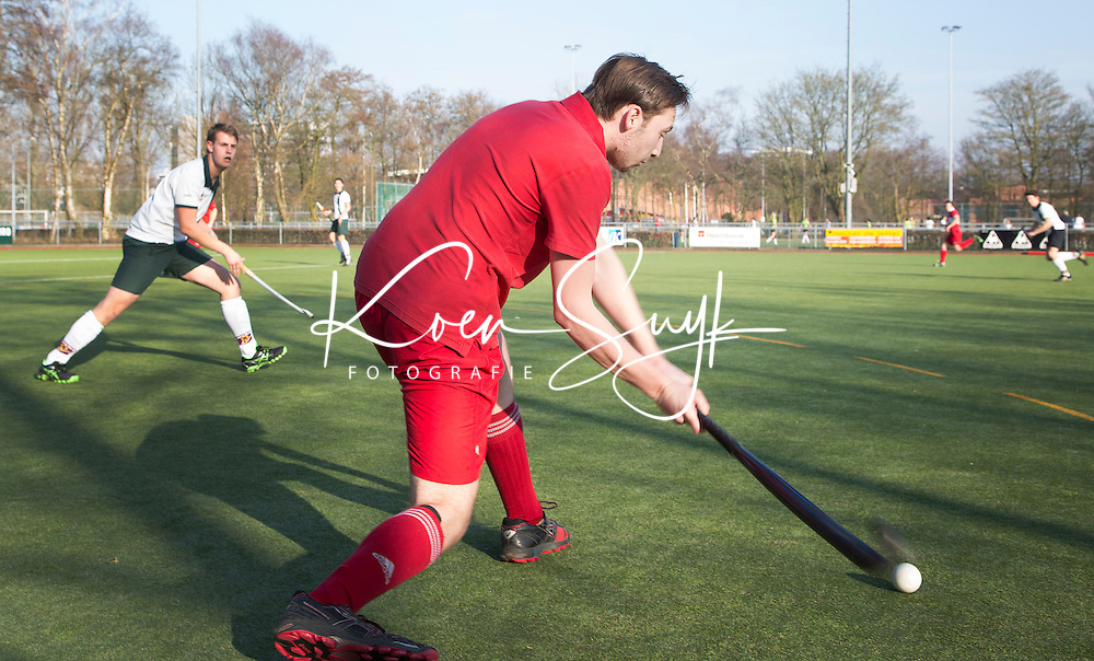 AMSTELVEEN - Hockey - Wedstrijd tussen de JH1 teams, jong senioren, tusssen de mannen van Myra en Rood Wit. (3-5).  COPYRIGHT KOEN SUYK