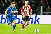 EINDHOVEN - PSV - AZ , Voetbal , Seizoen 2015/2016 , Eredivisie , Philips stadion , 29-11-2015 , PSV speler Jorrit Hendrix (r) in duel met AZ speler Mattias Johansson (l)