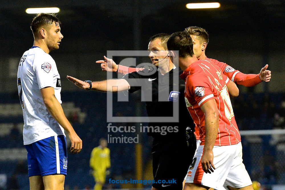 The referee awards the penalty to Blackpool after a foul on Martin Paterson during the Sky Bet League 1 match at Gigg Lane, Bury<br /> Picture by Ian Wadkins/Focus Images Ltd +44 7877 568959<br /> 31/10/2015