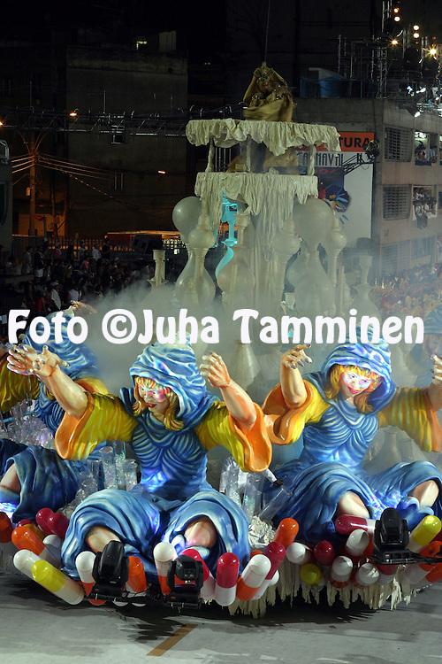 29.02.2004, Samb?dromo, Rio de Janeiro, Brazil..Carnaval 2004 - Desfile das Escolas de Samba, Grupo Especial, Desfile das Campe?s / Carnival 2004 - Parades of the Samba Schools, Champion schools parades..Desfile de / Parade of:  GRES Unidos da Tijuca.©Juha Tamminen.