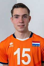 21-12-2018 NED: Photoshoot selection of Orange Young Boys, Arnhem <br /> Orange Young Boys 2018 - 2019 / Timo Lenderink #15