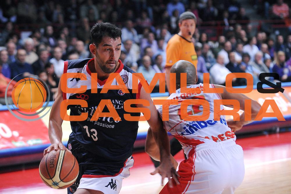 DESCRIZIONE : Varese Lega A 2009-10 Cimberio Varese Angelico Biella<br /> GIOCATORE : Luca Garri<br /> SQUADRA : Angelico Biella<br /> EVENTO : Campionato Lega A 2009-2010<br /> GARA : Cimberio Varese Angelico Biella<br /> DATA : 25/10/2009<br /> CATEGORIA : palleggio<br /> SPORT : Pallacanestro<br /> AUTORE : Agenzia Ciamillo-Castoria/A.Dealberto<br /> Galleria : Lega Basket A 2009-2010<br /> Fotonotizia : Varese Campionato Italiano Lega A 2009-2010 Cimberio Varese Angelico Biella<br /> Predefinita :