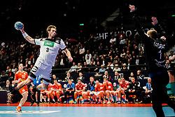 16.01.2020, Wiener Stadthalle, Wien, AUT, EHF Euro 2020, Weißrussland vs Deutschland, Hauptrunde, Gruppe I, im Bild v. l. Uwe Gensheimer (GER), Ivan MATSKEVICH (BLR) // f. l. Uwe Gensheimer (GER) Ivan MATSKEVICH (BLR) during the EHF 2020 European Handball Championship, main round group I match between Belarus and Germany at the Wiener Stadthalle in Wien, Austria on 2020/01/16. EXPA Pictures © 2020, PhotoCredit: EXPA/ Florian Schroetter