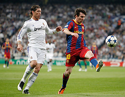 27-04-2011 VOETBAL: SEMI FINAL CL REAL MADRID - FC BARCELONA: MADRID<br /> Sergio Ramos against Lionel Messi <br /> *** NETHERLANDS ONLY***<br /> ©2011-FH.nl-nph/ Alvaro Hernandez