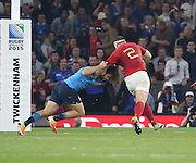 Guilhem Guirado (France's hooker)  on his way to scoring a try during the Rugby World Cup Pool D match between France and Italy at Twickenham, Richmond, United Kingdom on 19 September 2015. Photo by Matthew Redman.