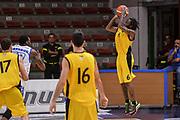 """DESCRIZIONE : Torneo Città di Sassari """"Mimì Anselmi"""" Dinamo Banco di Sardegna Sassari - AEK Atene<br /> GIOCATORE : Chris Warren<br /> CATEGORIA : Tiro Tre Punti Three Point Controcampo<br /> SQUADRA : AEK Atene<br /> EVENTO :  Torneo Città di Sassari """"Mimì Anselmi"""" <br /> GARA : Dinamo Banco di Sardegna Sassari - AEK Atene Torneo Città di Sassari """"Mimì Anselmi""""<br /> DATA : 12/09/2015<br /> SPORT : Pallacanestro <br /> AUTORE : Agenzia Ciamillo-Castoria/L.Canu"""