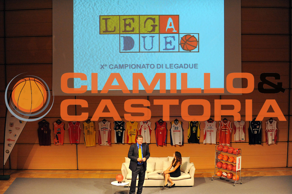 DESCRIZIONE : Milano Sede Sole 24 Ore LegaDue Lega A2 2010-11 Presentazione Campionato<br /> GIOCATORE : Marco Bonamico Angela Tuccia<br /> SQUADRA : <br /> EVENTO : Campionato LegaDue Lega A2 2010-2011 <br /> GARA : <br /> DATA : 23/09/2010 <br /> CATEGORIA : <br /> SPORT : Pallacanestro <br /> AUTORE : Agenzia Ciamillo-Castoria/GiulioCiamillo<br /> Galleria : Lega Basket A2 2010-2011 <br /> Fotonotizia : Milano Sede Sole 24 Ore Campionato Italiano LegaDue Lega A2 2010-2011 Presentazione Campionato<br /> Predefinita :