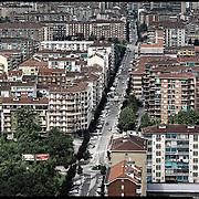 Nella foto:  via Sospello.. Reportage fotografico aereo di bassa quota per l'importante progetto di trasformazione urbana Variante n. 200 al P.R.G. inerente la Linea 2 Metropolitana e Quadrante Nord-Est di Torino: Barriera di Milano, Rebaudengo, Falchera, Regio Parco, Barca e Bertolla.