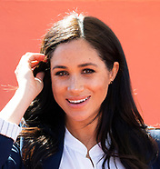 Meghan Markle & Harry Visit Boarding House