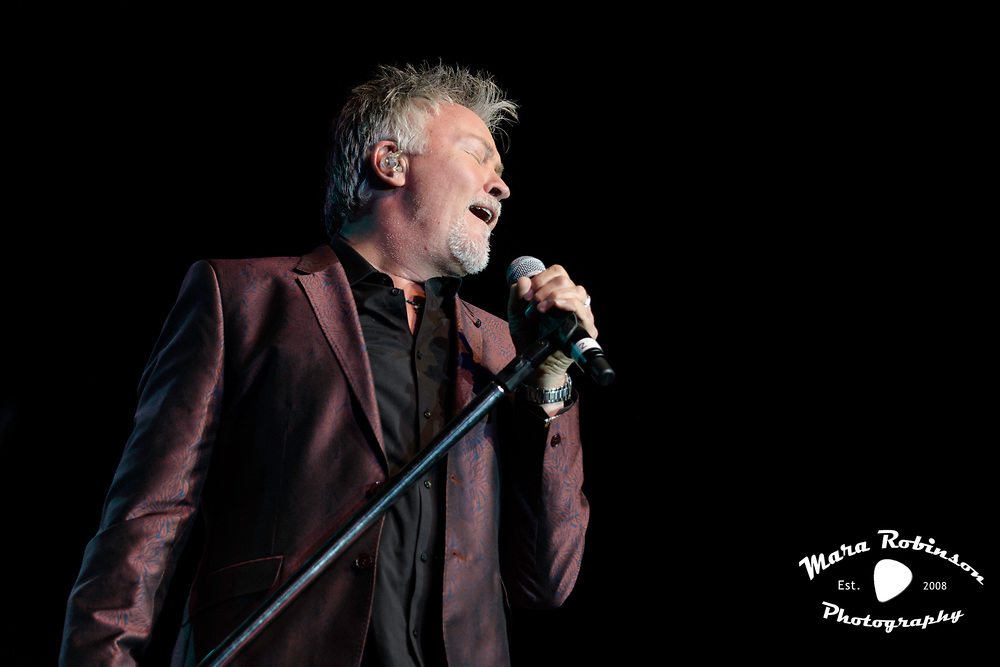 Paul Young by music photographer Mara Robinson
