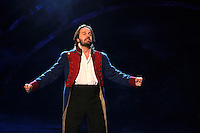 Alfie Boe and the Company of Les Mise?rables