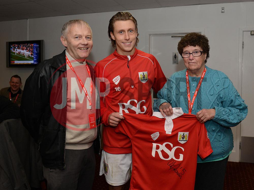 Bristol City's Luke Freeman Shirt Sponsor - Photo mandatory by-line: Dougie Allward/JMP - Mobile: 07966 386802 - 28/03/2015 - SPORT - Football - Bristol - Ashton Gate - Bristol City v Barnsley - Sky Bet League One