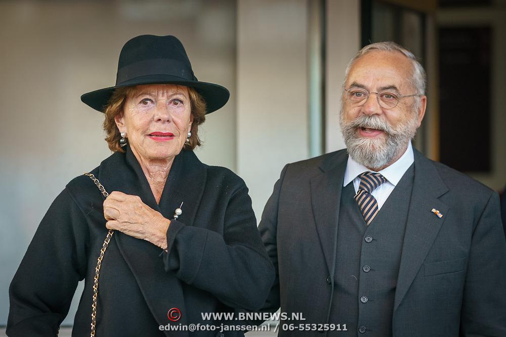NLD/Amsterdam/20181027 - Herdenkingsdienst Wim Kok, Neelie Kroes en oscar hammerstein