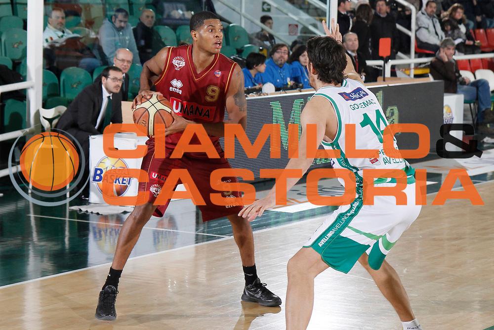 DESCRIZIONE : Avellino Lega A 2011-12 Sidigas Avellino Umana Venezia<br /> GIOCATORE : Tamar Slay<br /> SQUADRA : Umana Venezia<br /> EVENTO : Campionato Lega A 2011-2012<br /> GARA : Sidigas Avellino Umana Venezia<br /> DATA : 15/01/2012<br /> CATEGORIA : palleggio<br /> SPORT : Pallacanestro<br /> AUTORE : Agenzia Ciamillo-Castoria/A.De Lise<br /> Galleria : Lega Basket A 2011-2012<br /> Fotonotizia : Avellino Lega A 2011-12 Sidigas Avellino Umana Venezia<br /> Predefinita :