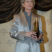 LONDON - APRIL 09: Author Patricia Cornwell with her award for Crime Thriller of the Year for 'Book of the Dead' during the Galaxy British Book Awards held at the Grosvenor House Hotel on April 9, 2008 in London, England.