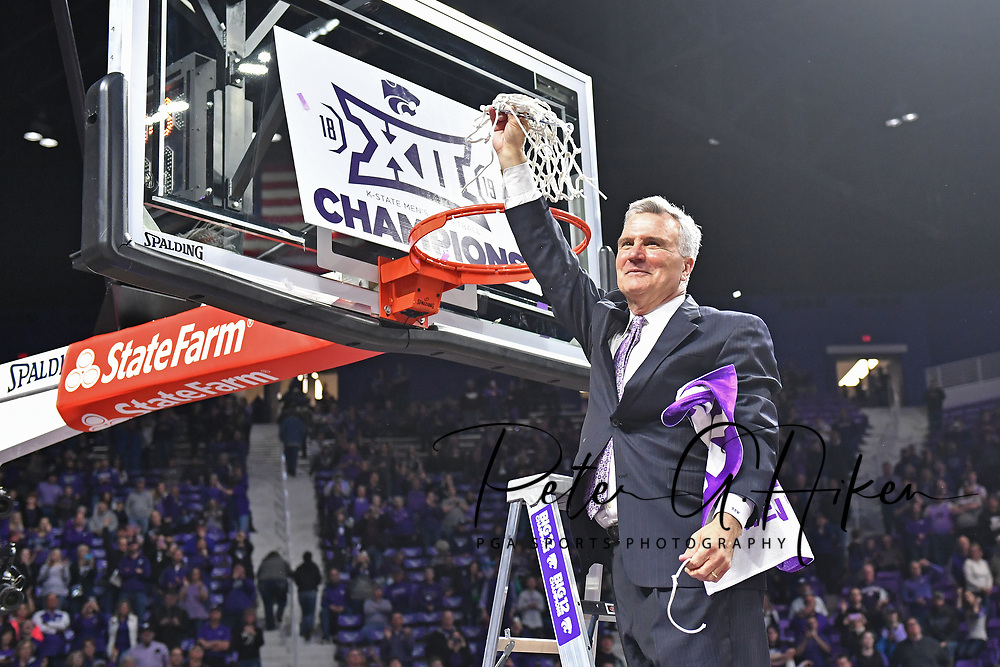 MANHATTAN, KS - MARCH 09:  Head coach Bruce Weber of the Kansas State Wildcats cuts down the net after winning the Big 12 Regular Season Championship on March 9, 2019 at Bramlage Coliseum in Manhattan, Kansas.  (Photo by Peter G. Aiken/Getty Images) *** Local Caption *** Bruce Weber