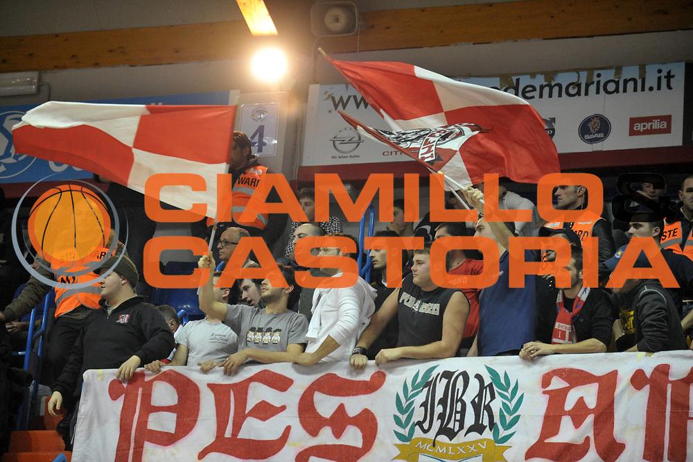 DESCRIZIONE : Brindisi Lega A 2010-11 Enel Brindisi Scavolini Siviglia Pesaro<br /> GIOCATORE :  <br /> SQUADRA : Scavolini Siviglia Pesaro   <br /> EVENTO : Campionato Lega A 2010-2011<br /> GARA : Enel Brindisi Scavolini Siviglia Pesaro  <br /> DATA : 02/01/2011<br /> CATEGORIA : tifosi      <br /> SPORT : Pallacanestro <br /> AUTORE : Agenzia Ciamillo-Castoria/D.Tasco<br /> GALLERIA: Lega Basket 2010 -2011<br /> FOTONOTIZIA: Brindisi Basket Serie A 2010-11 Enel Brindisi Scavolini Siviglia Pesaro<br /> PREDEFINITA: