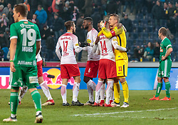 04.03.2018, Red Bull Arena, Salzburg, AUT, 1. FBL, FC Red Bull Salzburg vs SK Rapid Wien, 25. Runde, im Bild Siegesjubel Salzburg, Andreas Ulmer (FC Red Bull Salzburg), Jerome Onguene (FC Red Bull Salzburg), Valon Berisha (FC Red Bull Salzburg), Alexander Walke (FC Red Bull Salzburg) und Thomas Murg (Rapid Wien), Mario Sonnleitner (Rapid Wien) // during Austrian Football Bundesliga 25th round Match between FC Red Bull Salzburg and SK Rapid Wien at the Red Bull Arena, Salzburg, Austria on 2018/03/04. EXPA Pictures © 2018, PhotoCredit: EXPA/ JFK
