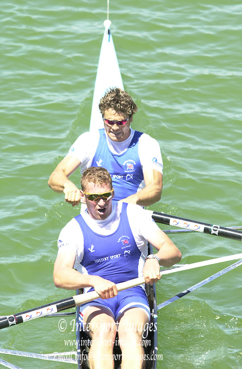 .Photo Peter Spurrier..2nd Rd FISA World Cup Seville. Day 2..Matt Pinsent and James Cracknell racing in the semi-final of the men's coxless pair. 20010515 FISA World Cup, Seville, SPAIN