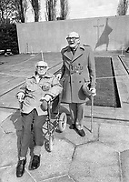 Irish Citizen Army Veteran's Louis Byrne from Cabra and Jimmy Gibson from Marlborough Street at the 1916 Commemoration Ceremony at Arbour Hill, 07/05/1986 (Part of the Independent Newspapers Ireland/NLI Collection).