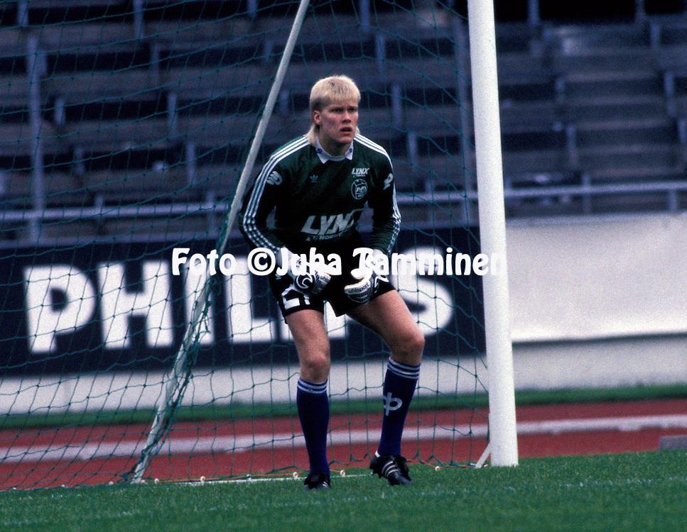 11.09.1988, Helsinki.SM-sarja.Matti Vikman - Rovaniemen Palloseura.©JUHA TAMMINEN