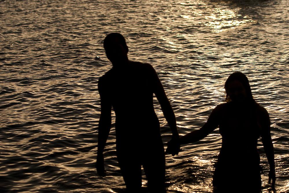 Caraiva_BA, Brasil...Casal no rio Caraiva na Bahia...A couple in Caraiva river in Bahia...Foto: MARCUS DESIMONI / NITRO