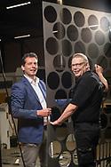 Nederland, Varsseveld 08mei2017 Baanbreker - robotisering bij 247Tailorsteel in Varseveld.<br />  <br /> salesmanager Ferdinand Nibbeling (blauw jasje) samen met proces operator Ronald te Welscher (zwart t-shirt)<br /> Fotografie: hetoog.nl/Cees Elzenga