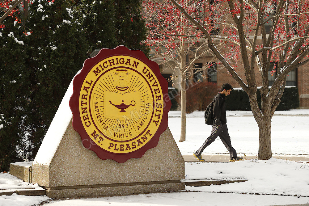 Winter weather settles onto the Central Michigan University campus in mid-November 2014.  Photo by Steve Jessmore/Central Michigan University
