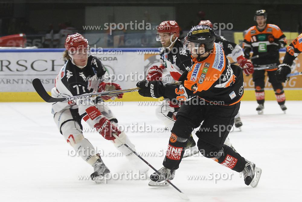02.12.2016, Merkur Eisarena, Graz, AUT, EBEL, Moser Medical Graz 99ers vs HC TWK Innsbruck Die Haie, 25. Runde, im Bild Philipp Lindner (#77, HC TWK Innsbruck) und Rupert Strohmeier (#30, Moser Medical Graz 99ers) // during the Erste Bank Icehockey League 25th Round match between Moser Medical Graz 99ers and HC TWK Innsbruck at the Merkur Ice Arena, Graz, Austria on 2016/12/02, EXPA Pictures © 2016, PhotoCredit: EXPA/ Erwin Scheriau