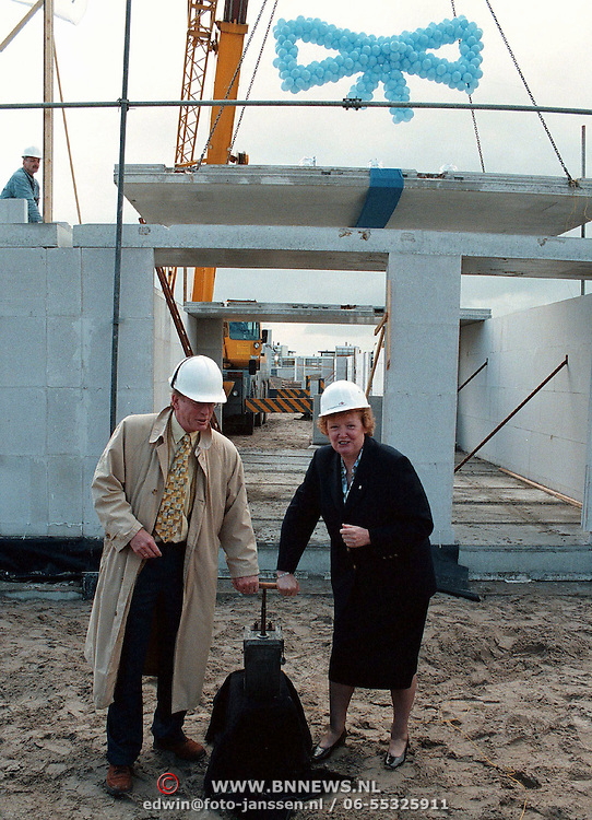 Start bouw Vierde Kwadrant Huizen door wethouder Metz en Vrieze