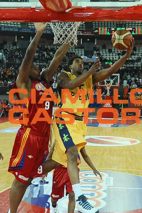 DESCRIZIONE : Roma Lega A1 2008-09 Lottomatica Virtus Roma Premiata Montegranaro<br /> GIOCATORE : Bryce Taylor<br /> SQUADRA : Premiata Montegranaro<br /> EVENTO : Campionato Lega A1 2008-2009<br /> GARA : Lottomatica Virtus Roma Premiata Montegranaro<br /> DATA : 28/12/2008<br /> CATEGORIA : Tiro<br /> SPORT : Pallacanestro <br /> AUTORE : Agenzia Ciamillo-Castoria/E.Grillotti<br /> GALLERIA : Lega Basket A1 2008-2009 <br /> FOTONOTIZIA : Roma Campionato Italiano Lega A1 2008-2009 Lottomatica Virtus Roma Premiata Montegranaro<br /> PREDEFINITA :