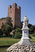 Statue of Italian painter Giorgione (1477/1510) in Castelfranco Veneto, Italy.