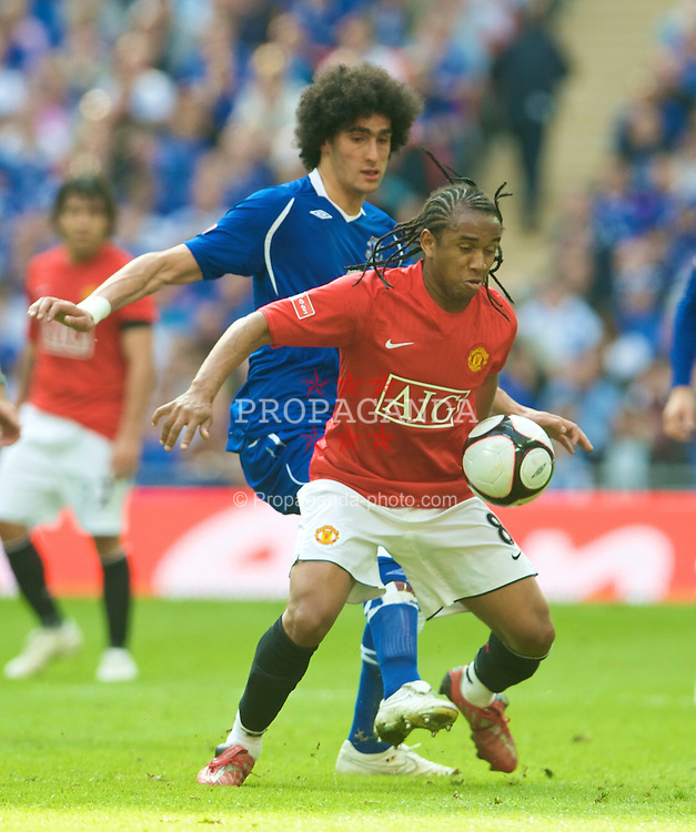 LONDON, ENGLAND - Sunday, April 19, 2009: Manchester United's Anderson and Everton's Marouane Fellaini during the FA Cup Semi-Final match at Wembley. (Photo by David Rawcliffe/Propaganda)