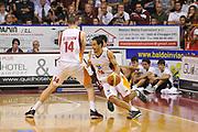 DESCRIZIONE : Venezia Lega A 2014-15 Umana Reyer Venezia Acea Roma<br /> GIOCATORE : rok stipcevic<br /> CATEGORIA :  palleggio blocco<br /> SQUADRA : Umana Reyer Venezia Acea Roma<br /> EVENTO : Campionato Lega A 2014-2015<br /> GARA : Umana Reyer Venezia Acea Roma<br /> DATA : 19/10/2014<br /> SPORT : Pallacanestro<br /> AUTORE : Agenzia Ciamillo<br /> Galleria : Lega Basket A 2014-2015 <br /> Fotonotizia : Venezia Campionato Italiano Lega A 2014-15 Umana Reyer Venezia Acea Roma<br /> Predefinita :