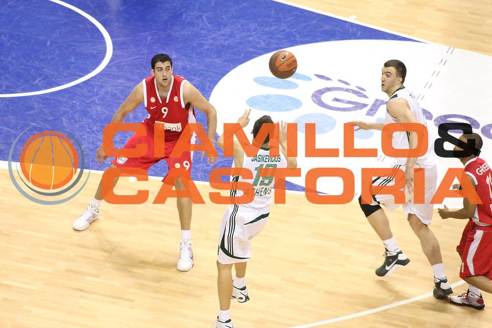 DESCRIZIONE : Berlino Eurolega 2008-09 Final Four Semifinale Olympiacos Piraeus Panathinaikos Atene<br /> GIOCATORE : Sarunas Jasikevicius<br /> SQUADRA : Panathinaikos Atene<br /> EVENTO : Eurolega 2008-2009 <br /> GARA : Olympiacos Piraeus Panathinaikos Atene<br /> DATA : 01/05/2009 <br /> CATEGORIA : Passaggio<br /> SPORT : Pallacanestro <br /> AUTORE : Agenzia Ciamillo-Castoria/G.Ciamillo