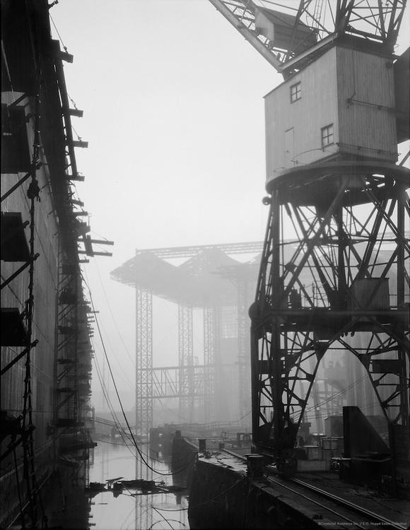 Cranes, Swan Hunter & Wigham Richardson Shipyard, England, 1928