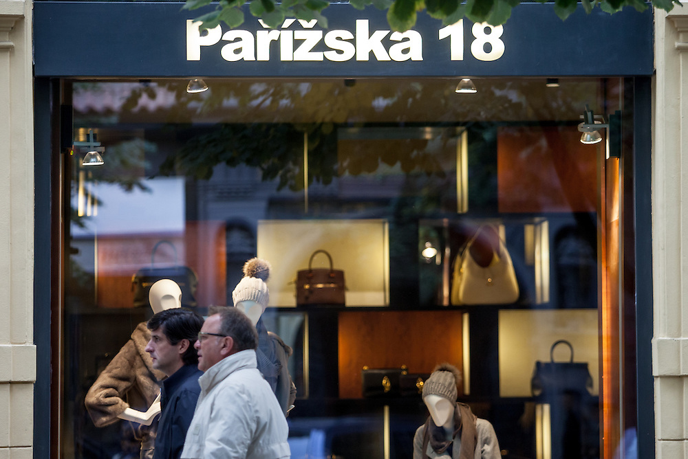 Parizska - Geschäfte mit Nobelmarken in der Prager Innenstadt.