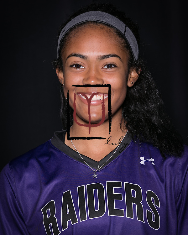 Cedar Ridge softball player, Heaven Burton.  (LOURDES M SHOAF for Round Rock Leader.)