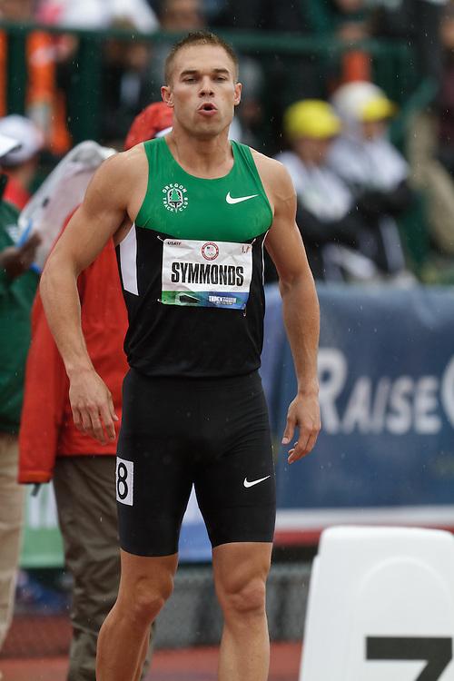 Olympic Trials Eugene 2012: Mens' 800 meter heats, Nick Symmonds prepares for start