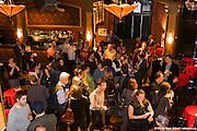 Lancement du répertoire « 1001 entreprises d'économie sociale de Montréal » par Madame MANON BARBE, présidente de la Conférence régionale des élus de Montréal et mairesse de l'arrondissement de LaSalle et.Madame ÉDITH CYR, présidente du Comité d'économie sociale de l'île de Montréal (CÉSÎM) et directrice générale de Bâtir son quartier. Cabaret du Lion d'Or / Montreal / Canada / 2009-04-14, © Photo Marc Gibert / adecom.ca