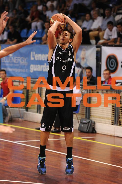 DESCRIZIONE : Novara Torneo di Novara Lega A 2011-12 Angelico Biella Virtus Bologna<br /> GIOCATORE : Riccardo Moraschini<br /> CATEGORIA :  Tiro<br /> SQUADRA : Angelico Biella Virtus Bologna<br /> EVENTO : Campionato Lega A 2011-2012<br /> GARA : Angelico Biella Virtus Bologna<br /> DATA : 10/09/2011<br /> SPORT : Pallacanestro<br /> AUTORE : Agenzia Ciamillo-Castoria/GiulioCiamillo<br /> Galleria : Lega Basket A 2011-2012<br /> Fotonotizia : Novara Torneo di Novara Lega A 2011-12 Angelico Biella Virtus Bologna<br /> Predefinita :